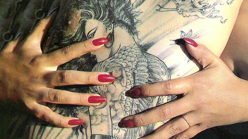 современная женская татуировка