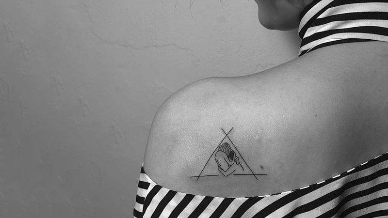 Любовный треугольник. Татуировщик Dogy